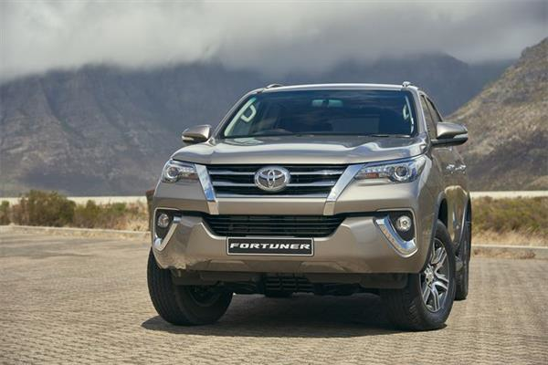 2016 Toyota Fortuner South Africa-spec