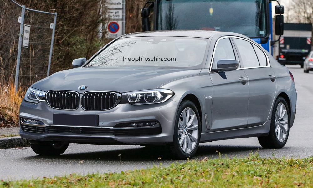 2016 BMW 5 Series front Rendering