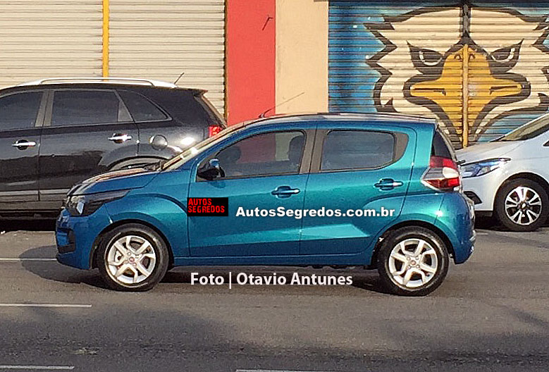 Fiat Mobi side photographed undisguised