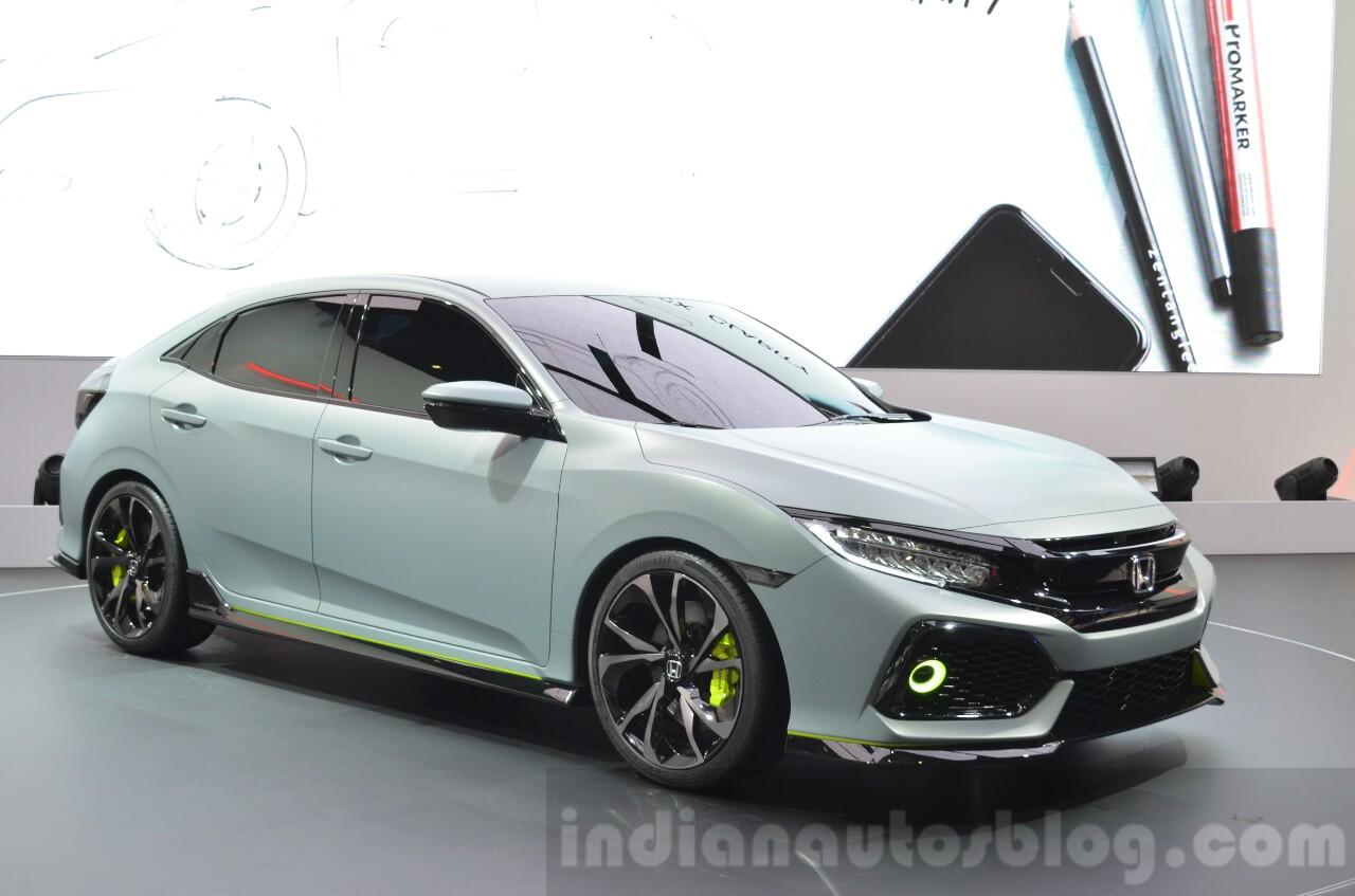 Honda Civic Hatchback Prototype front three quarters left at the 2016 Geneva Motor Show