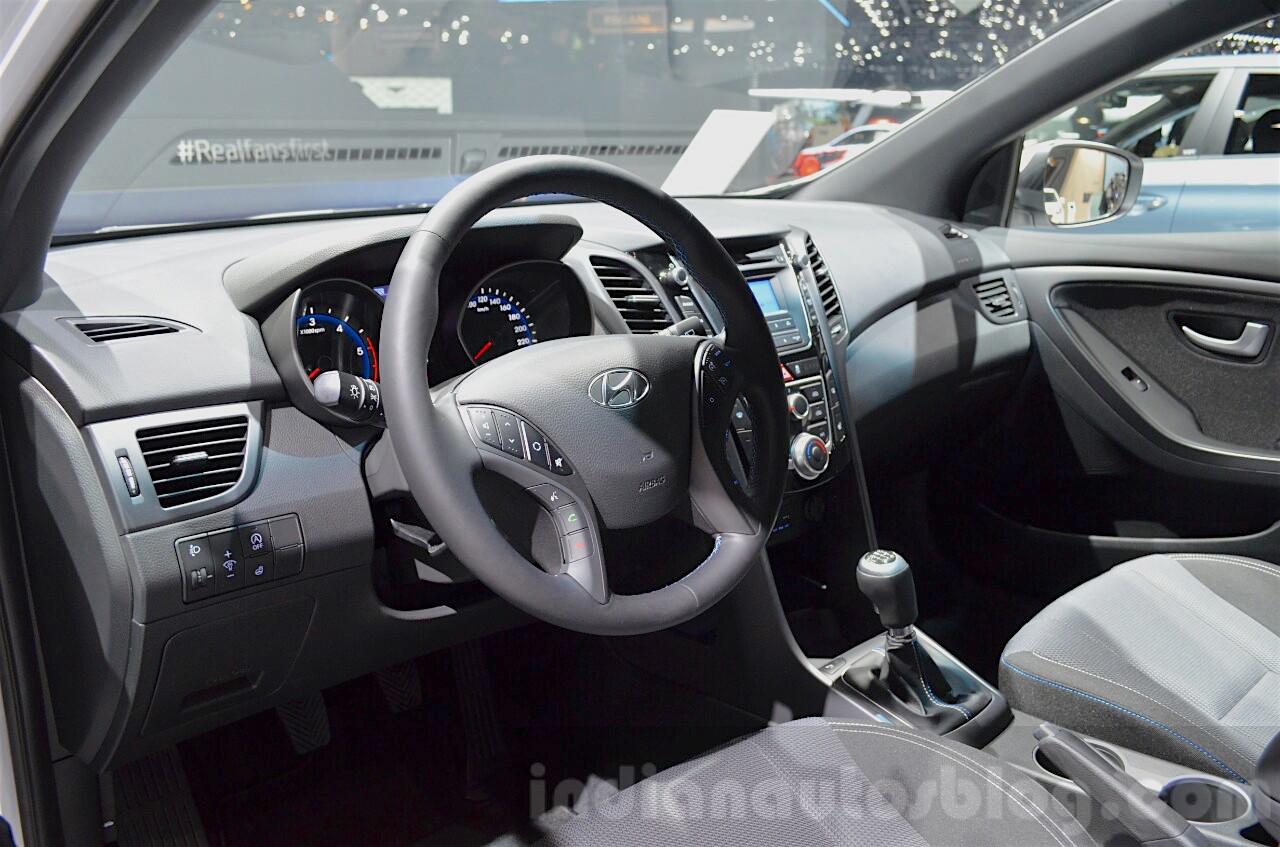 Hyundai i30 GO! interior at the 2016 Geneva Motor Show