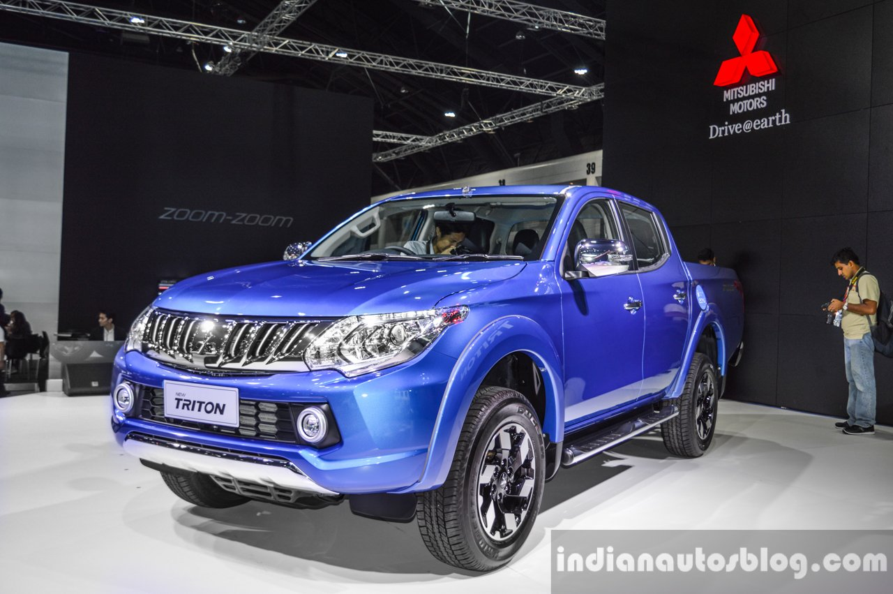 Mitsubishi Triton Limited Edition front three quarter at 2016 BIMS