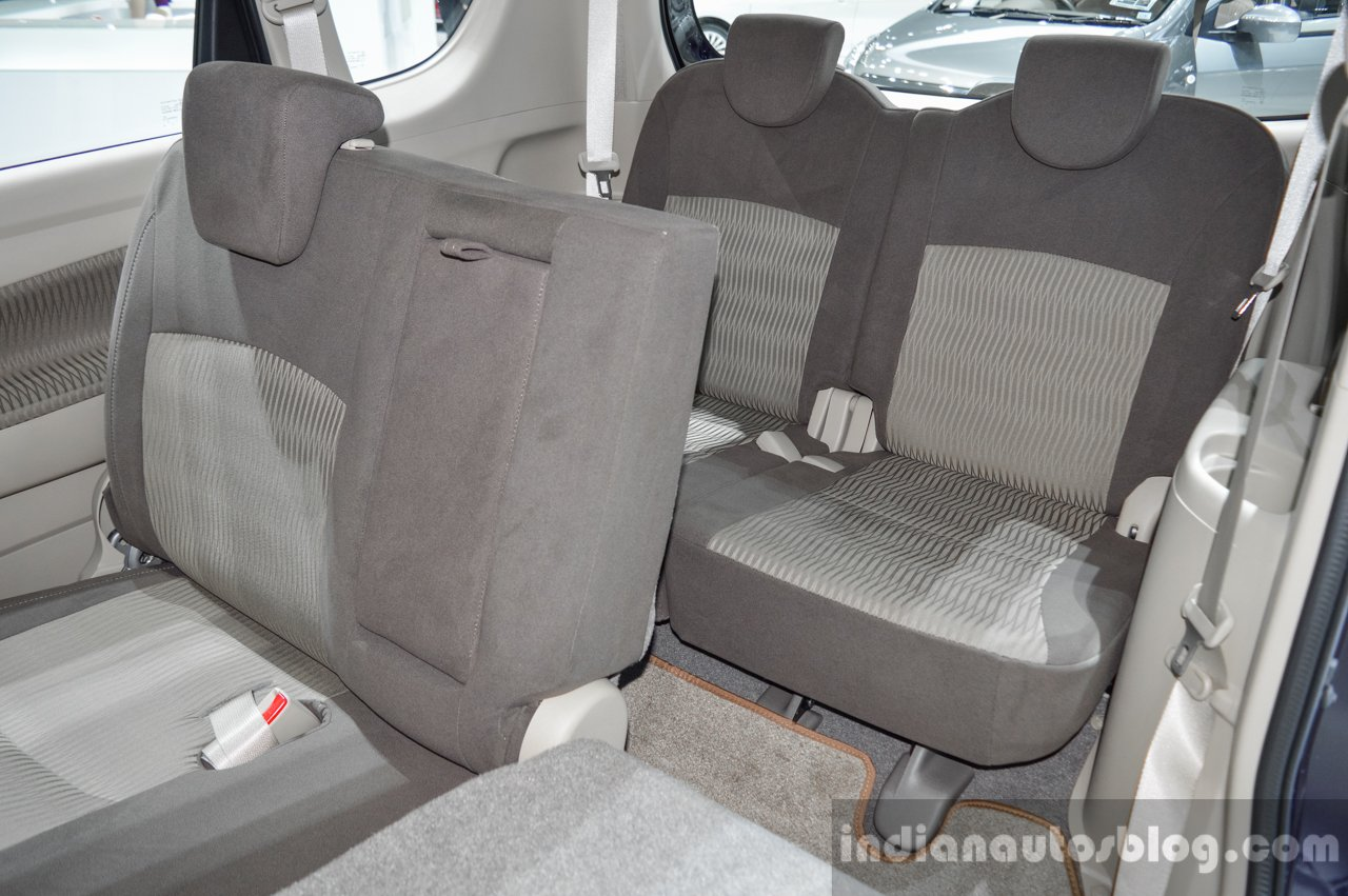 Suzuki Ertiga Dreza seats at 2016 BIMS