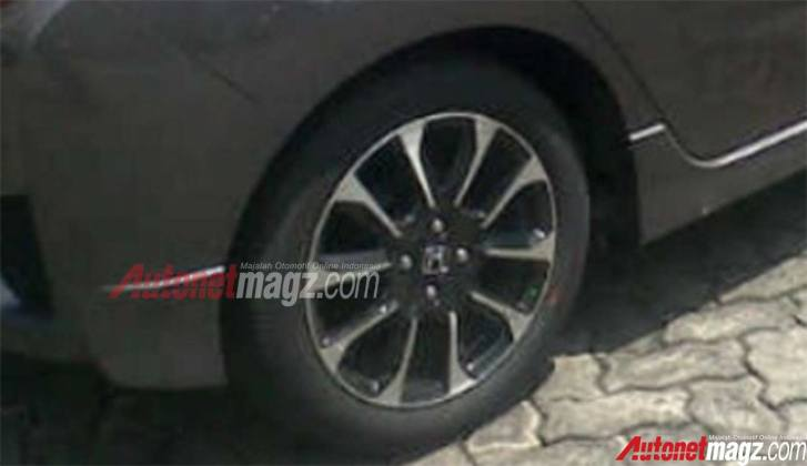 2016 Honda Jazz RS Indonesia 16-inch wheels