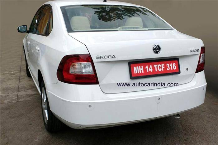2016 Skoda Rapid (facelift) rear spied up close