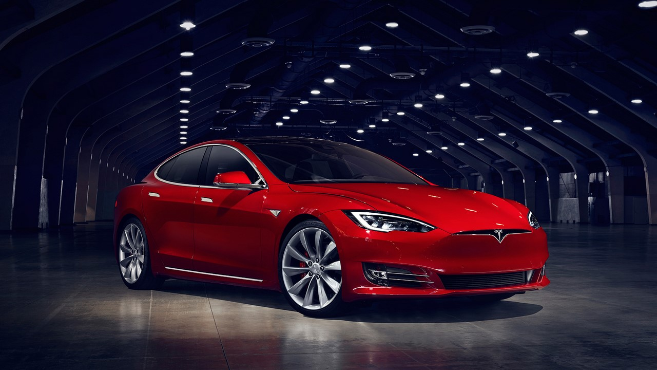 New Tesla Model S (facelift) front three quarters