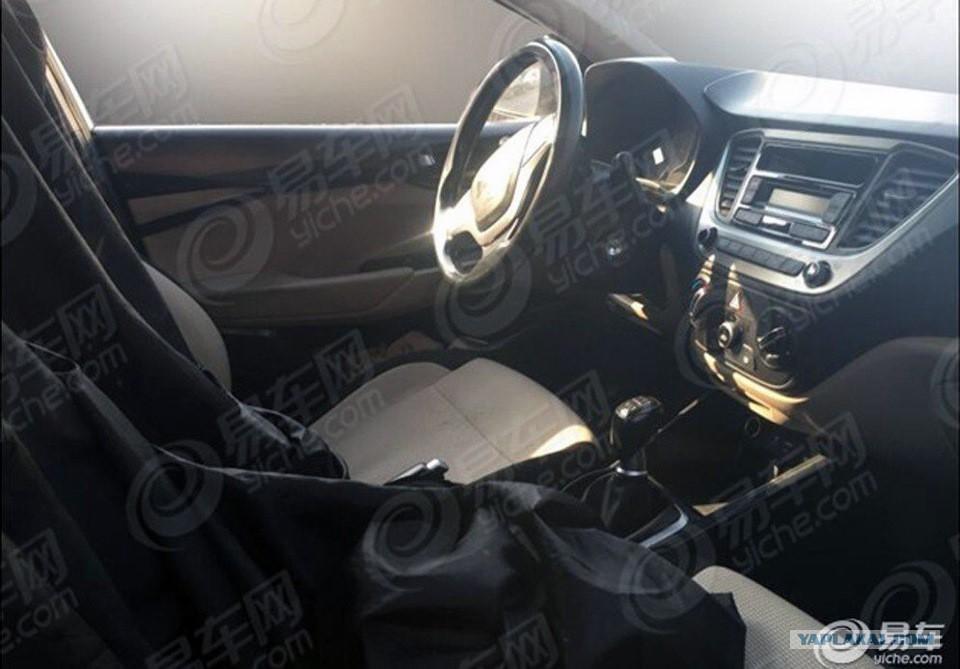 Next-gen 2017 Hyundai Verna interior spyshot