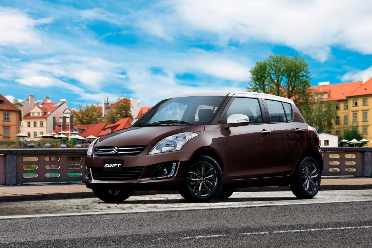Suzuki Swift Bicolor brown and white (roof) front three quarters