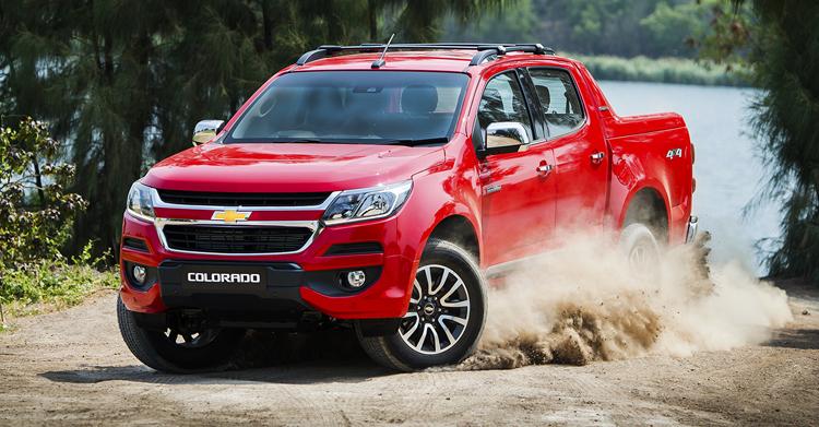 2016 Chevrolet Colorado (facelift) front three quarter debuts in ASEAN markets