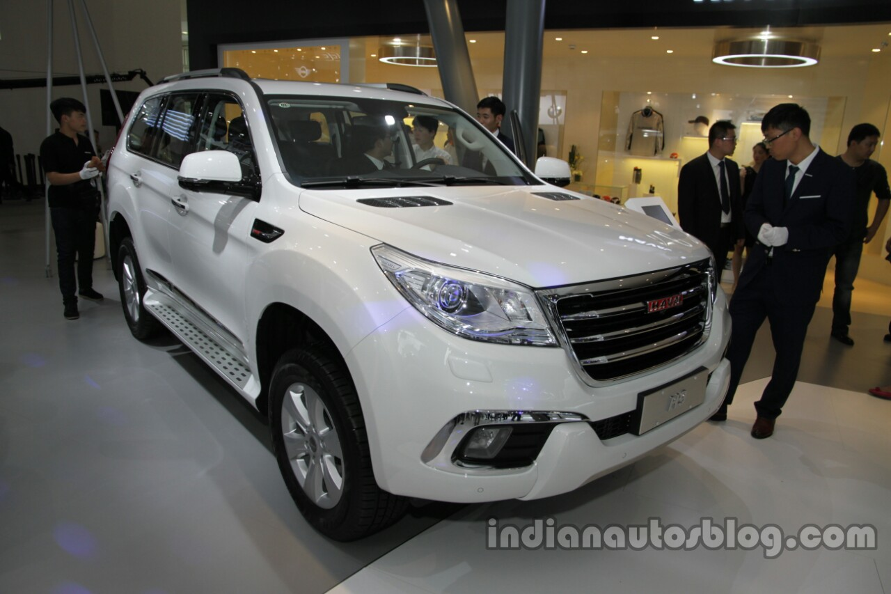 Haval H9 front three quarters right side at Auto China 2016