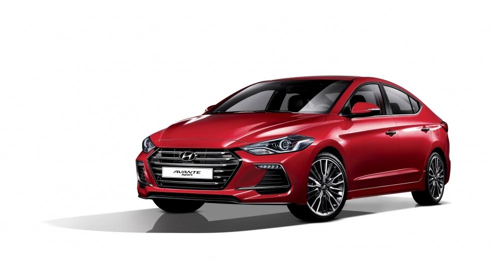 Hyundai Avante (Elantra) Sport front three quarters