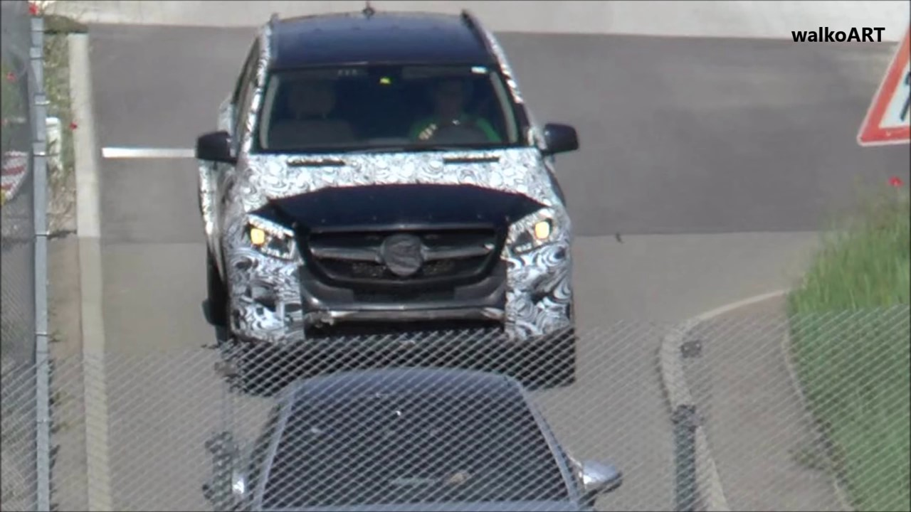 2018 Mercedes GLE spy shot