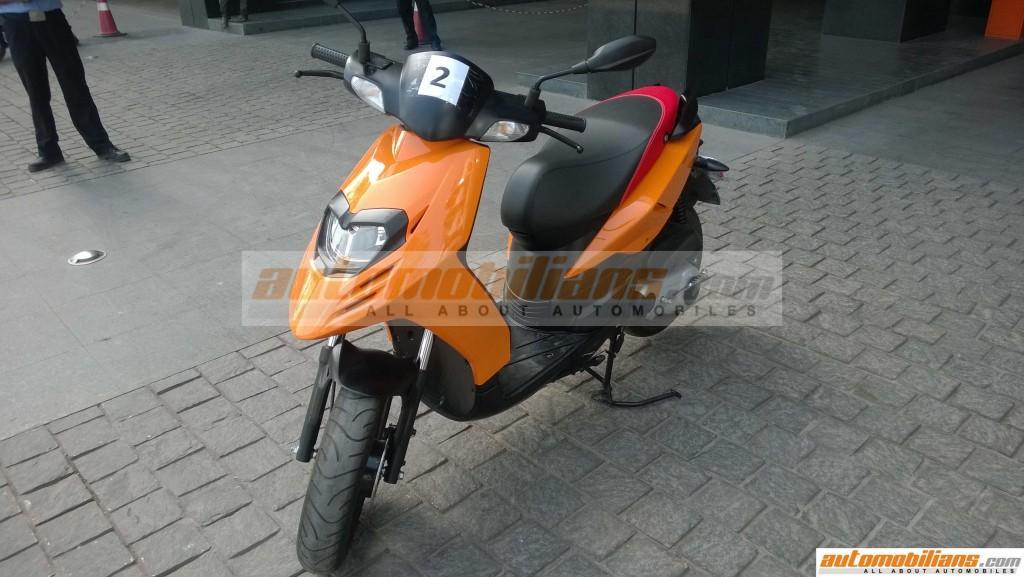 Aprilia SR 150 front quarter spied Pune