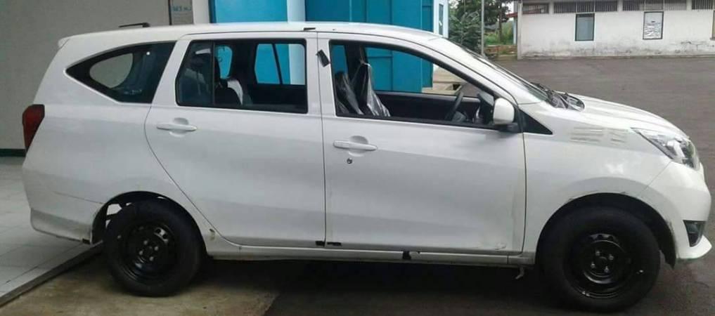 Diahatsu Sigra (rebadged Toyota Calya) spied