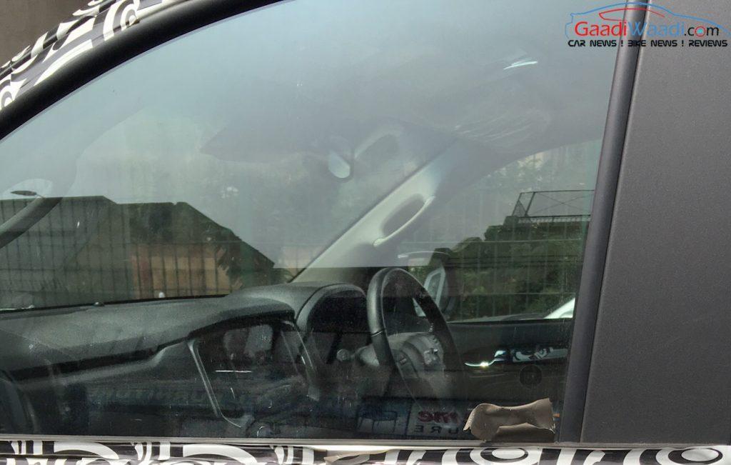 Chevrolet Trailblazer interior (facelift) spied