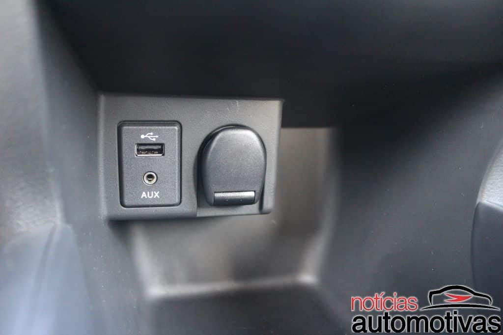 Nissan Kicks AUX, USB