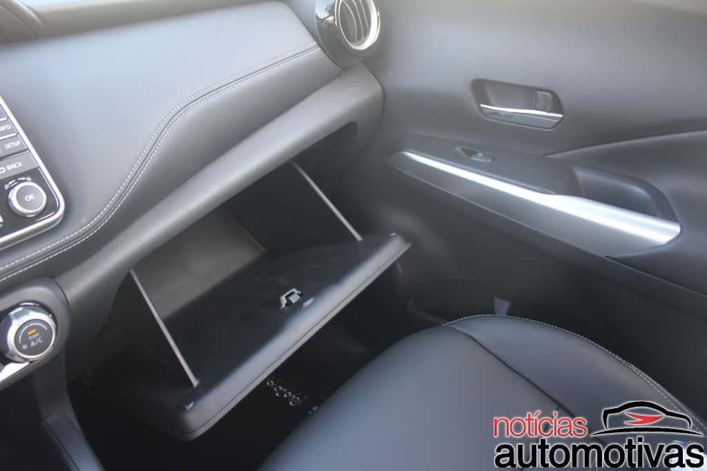 Nissan Kicks glove box