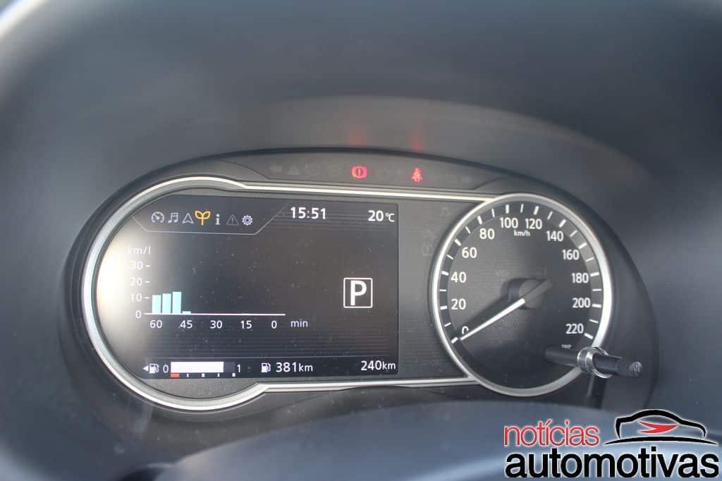 Nissan Kicks instrument panel second image
