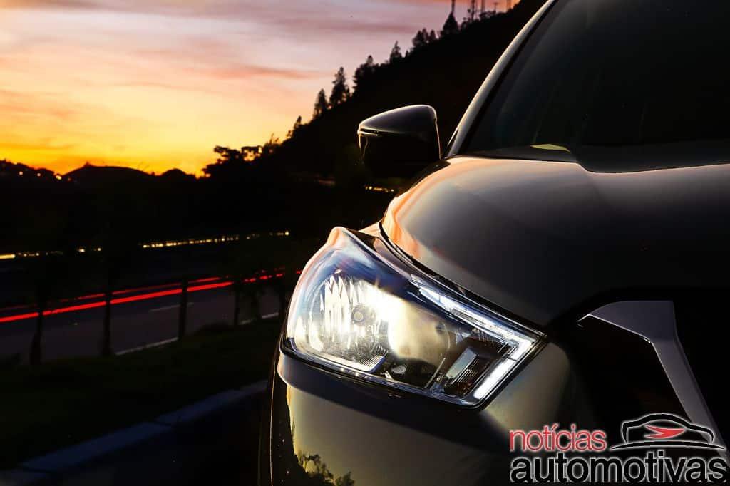 Nissan Kicks official image headlamp on