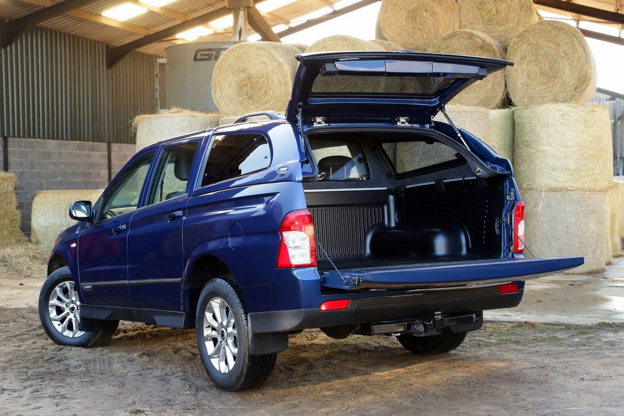 SsangYong Korando Sports rear three quarters