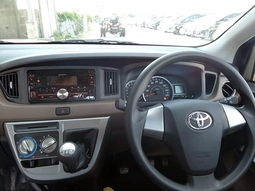 Toyota Calya dashboard arrives at dealership