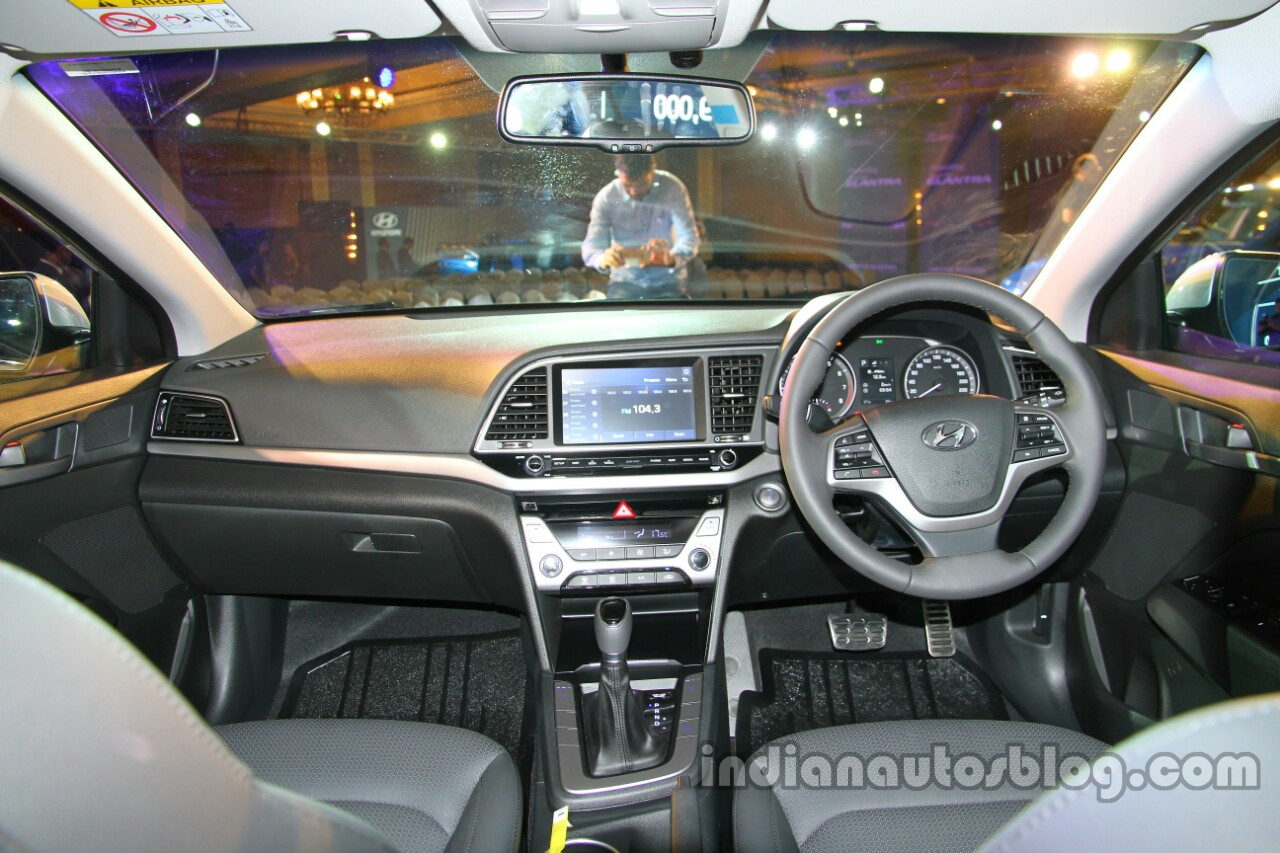 2016 hyundai elantra se features