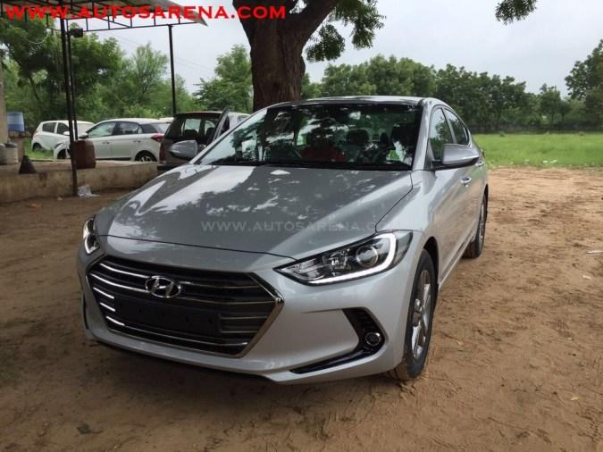 2016 Hyundai Elantra front fully revealed in India, arrives at dealer yard