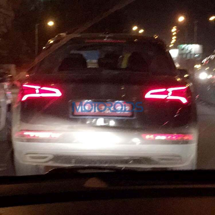 2017 Audi Q5 tail lights spy shot