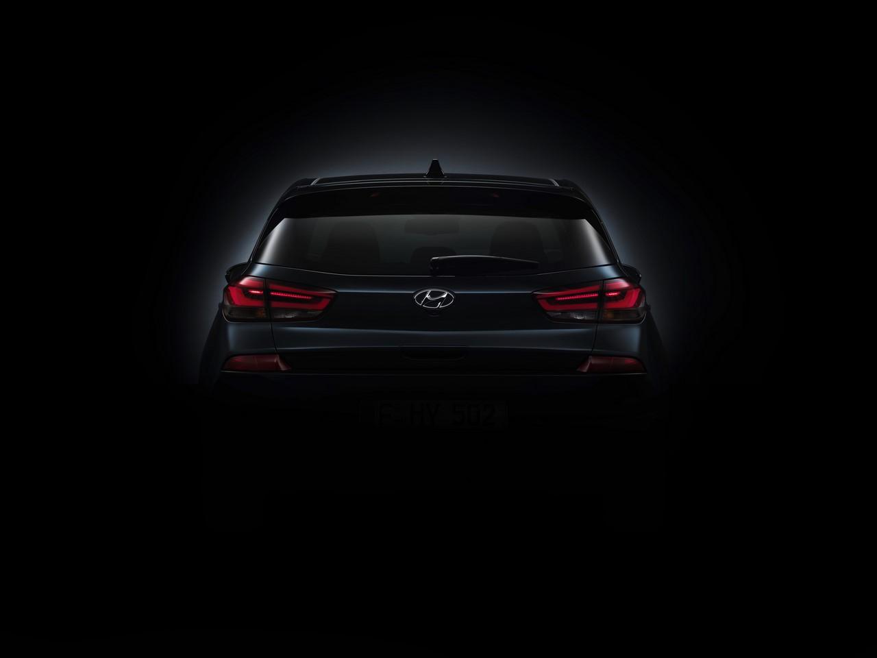 2017 Hyundai i30 rear teaser