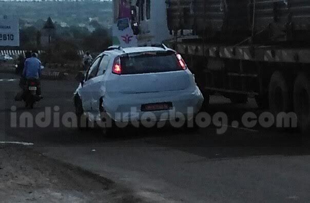 Fiat Avventura Urban Cross rear spied testing for the first time