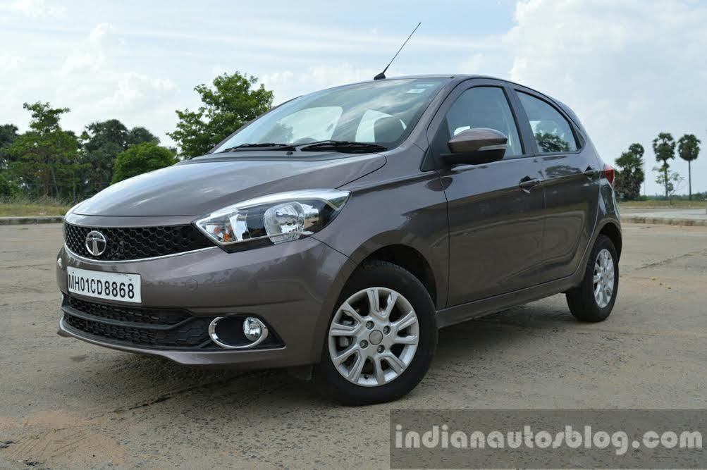 Tata Tiago front three quarter image