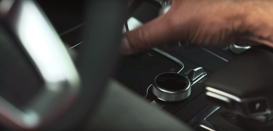 2017 Audi Q5 MMI Touchpad teased