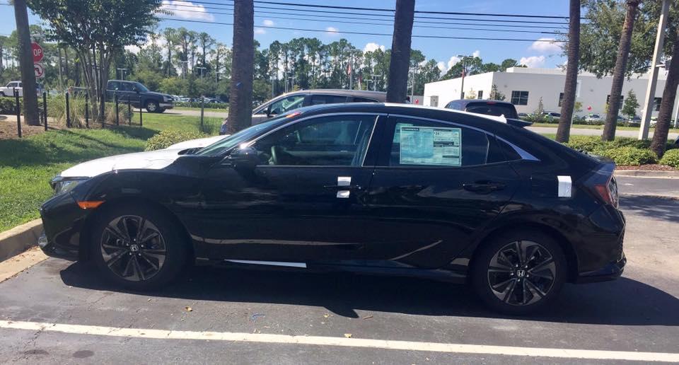 2017 Honda Civic Hatchback left side