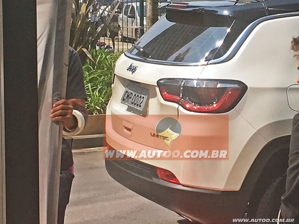 2017 Jeep Compass (551) taillamp spied undisguised for the first time