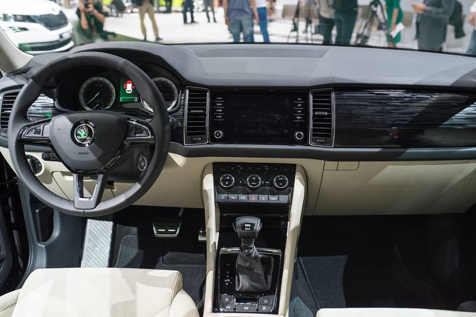 Skoda Kodiaq dashboard unveiled in Paris