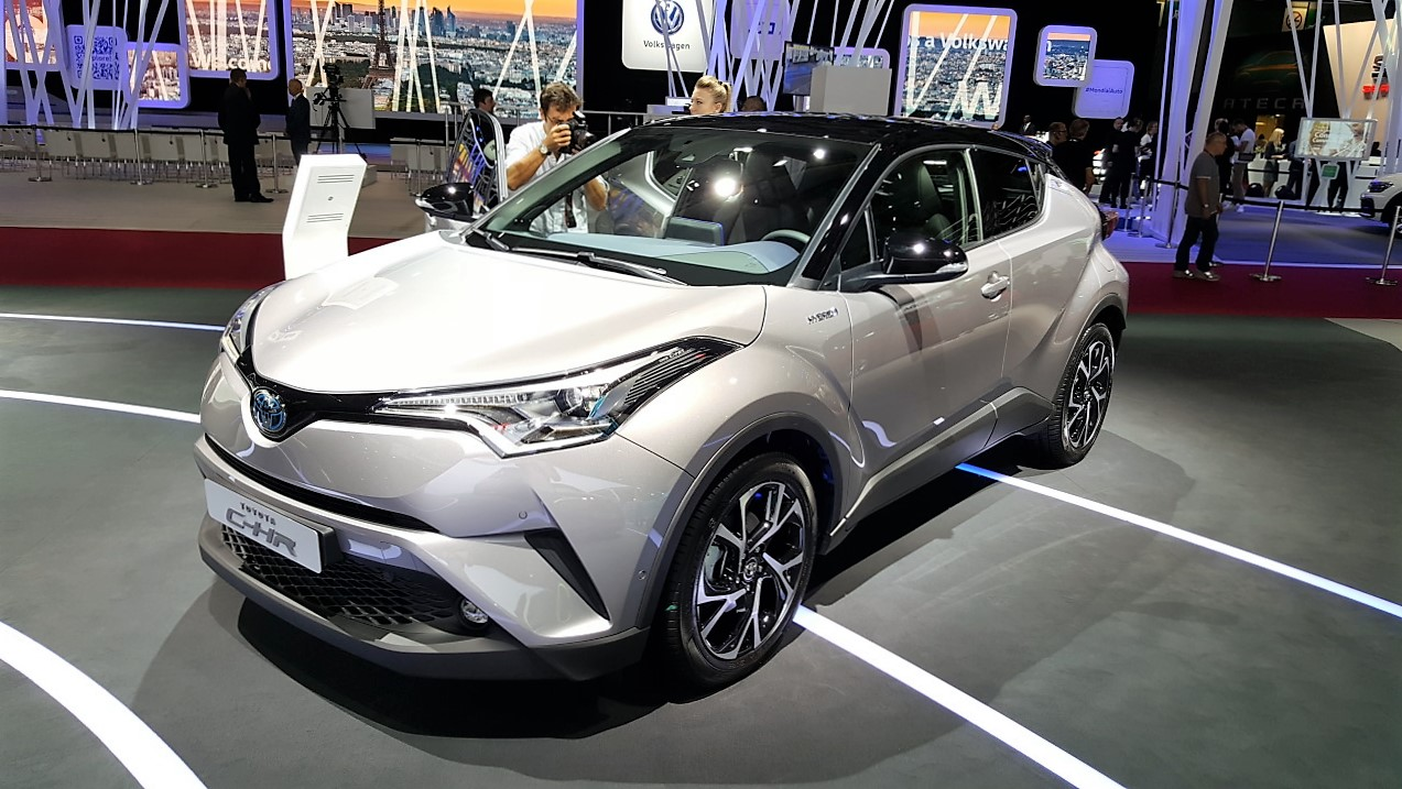 Toyota C-HR front three quarters left side at the Paris Motor Show 2016