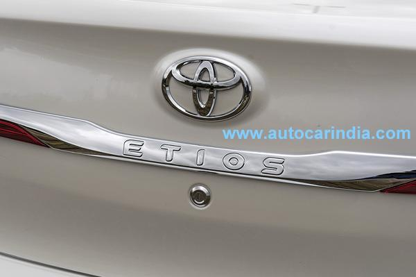 toyota-etios-facelift-rear-chrome-garnish-photographed