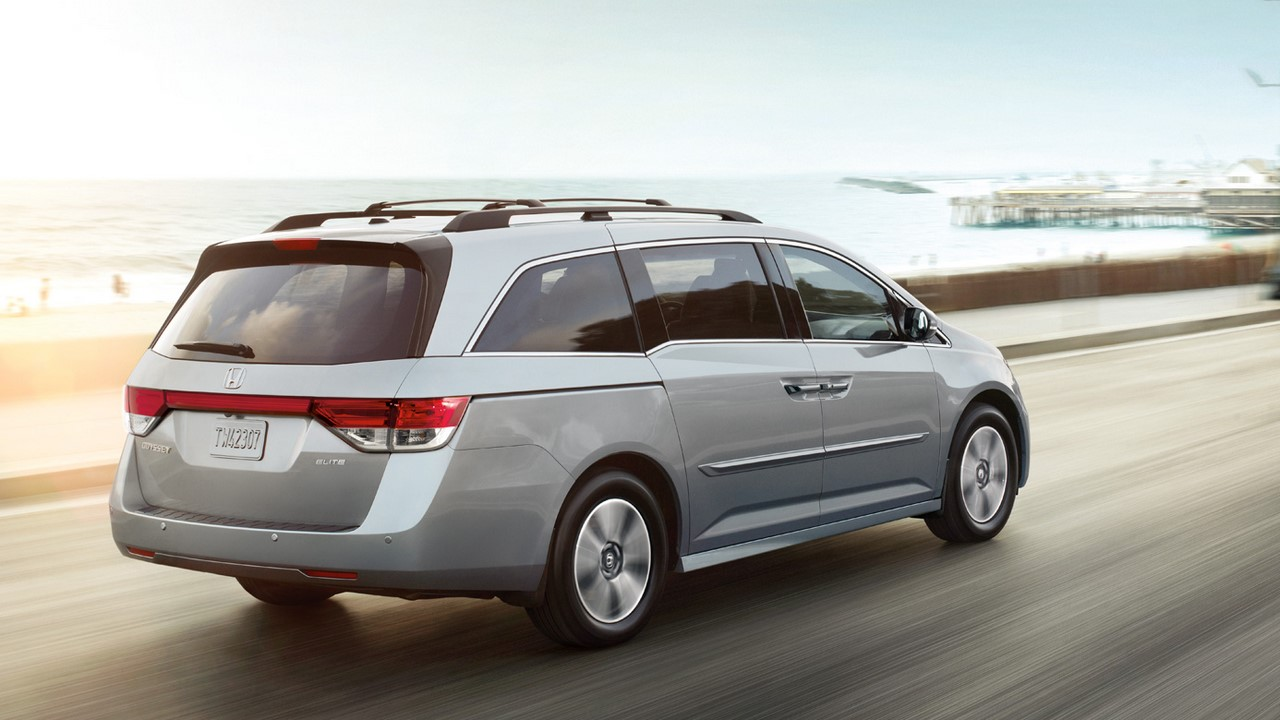 2016 Honda Odyssey Rear Three Quarters