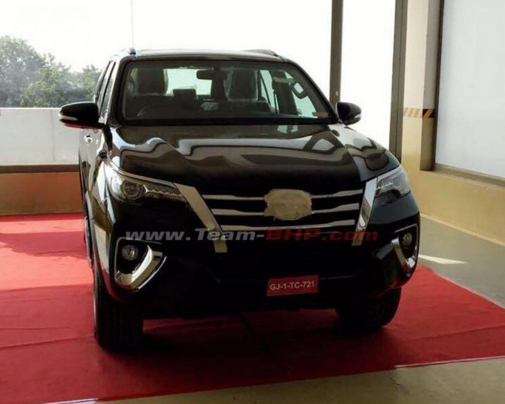 2016 Toyota Fortuner Ahmedabad spied