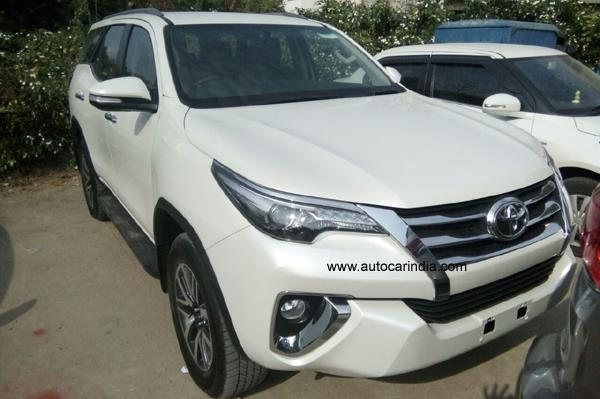 2016 Toyota Fortuner front spied uncamouflaged India