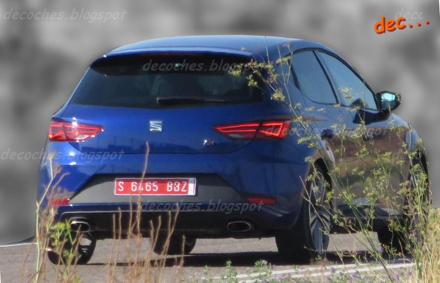 2017 Seat Leon Cupra (facelift) rear three quarters spy shot
