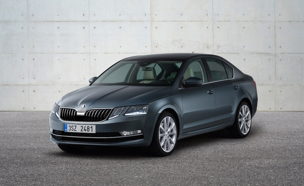 2017 Skoda Octavia (facelift) front three quarter unveiled