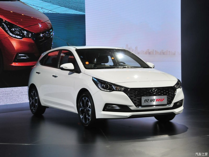 Hyundai Verna RV front quarter debut