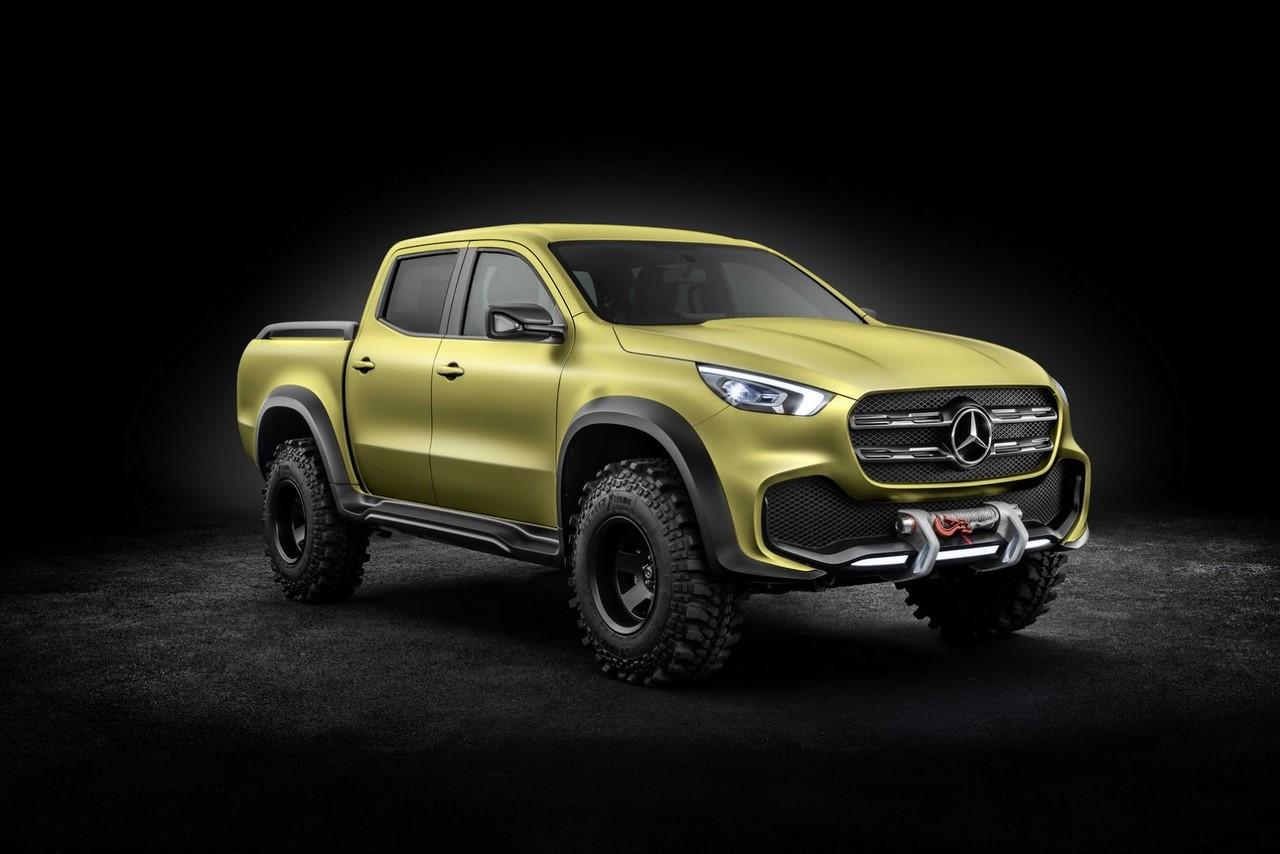 Mercedes-Benz Concept X-CLASS powerful adventurer front three quarters