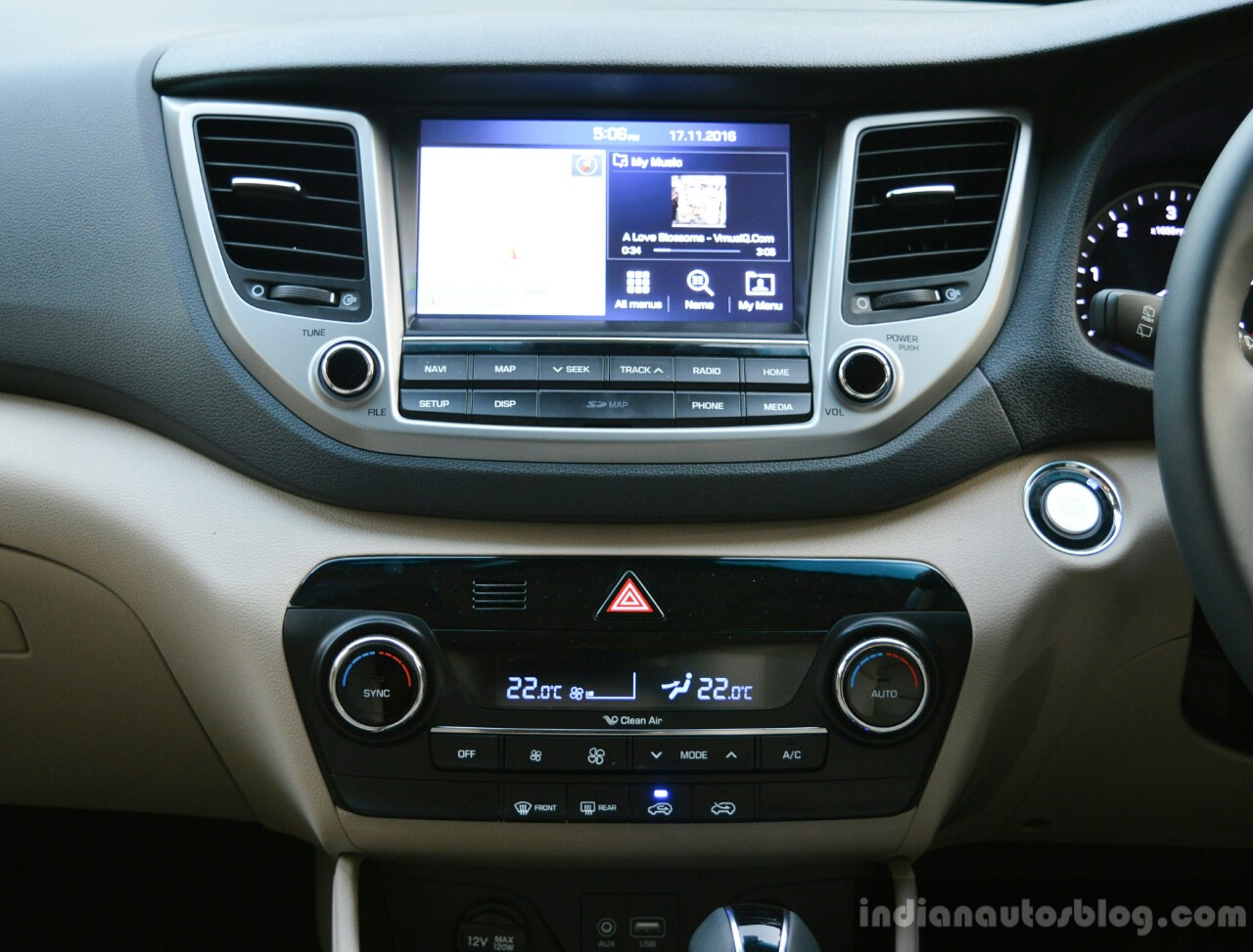 2016 Hyundai Tucson center console Review