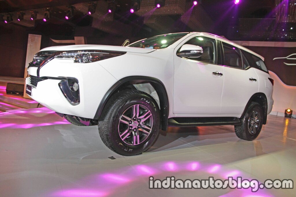 2016 Toyota Fortuner white front three quarter launch