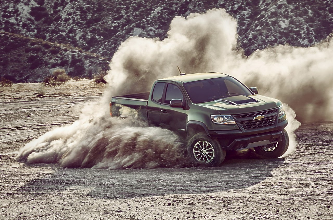2017 Chevrolet Colorado ZR2 front three quarters off-roading