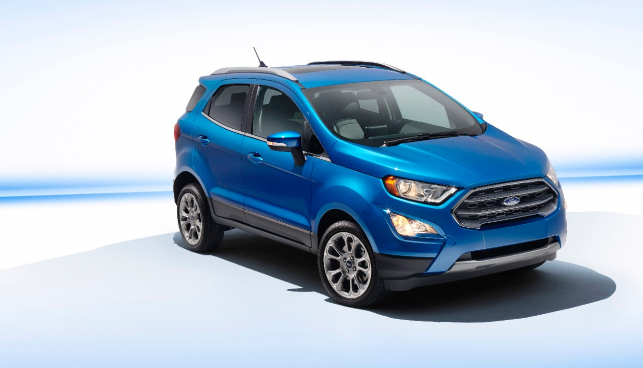 2017 Ford EcoSport (facelift) front three quarters studio image