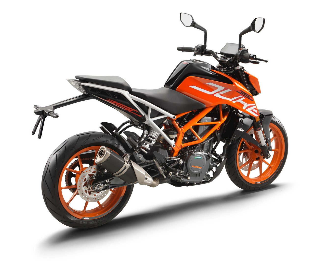 2017 KTM Duke 390 rear three quarters standstill