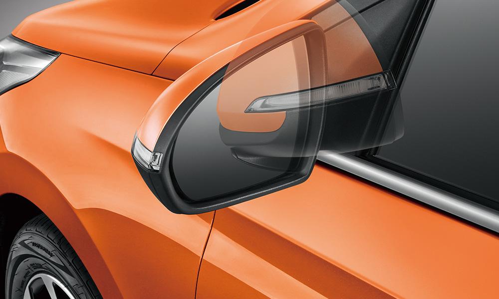 Chinese-spec 2017 Hyundai Verna door mirror